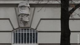 Verzierung an einer Hausfassade des Historismus