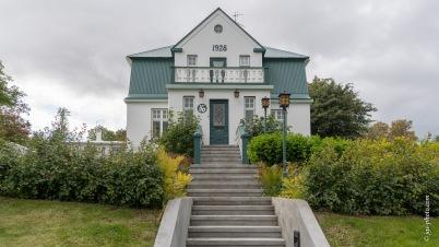 Villa aus den 20ern in Akureiry