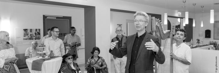 Austellungseröffnung durch Siegfried Benker, Geschäftsführer Münchenstift